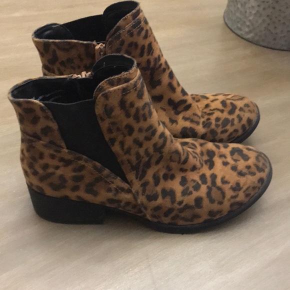 Stevies Shoes   Kids Leopard Booties